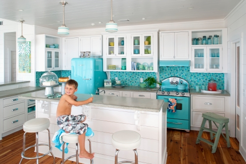 Elmira Stove Works - Nortstar in Robin's Egg Blue - Photo