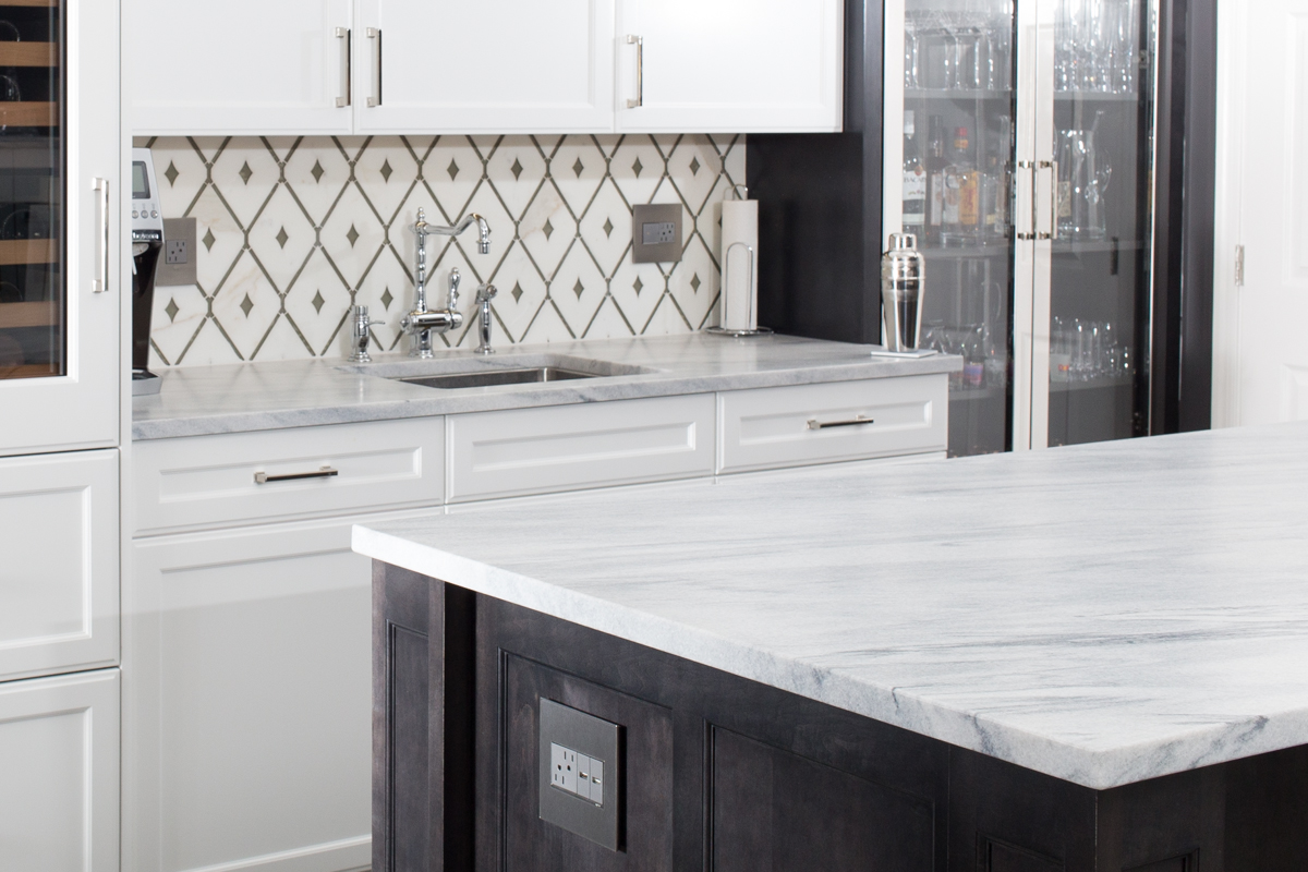 polycor_white_cherokee_marble_honed_bar_2