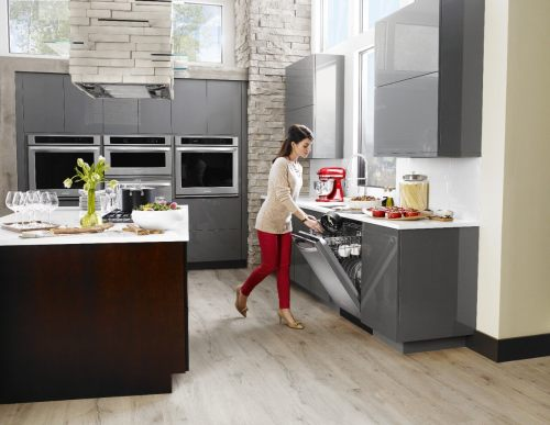 Holiday Kitchens (3)